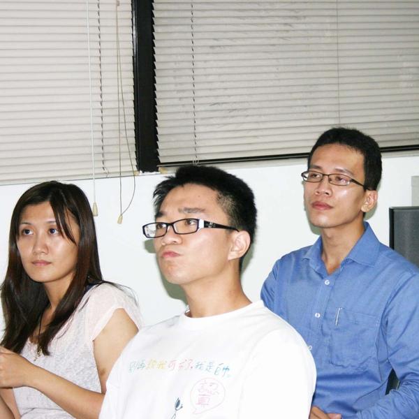2009.08.28邀請基金會社工俊雄.虹如參加雅康第一對外次說明會