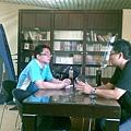 2009.09.12在吳尊賢基金會會館與基金會社工俊雄討論實體公益商店的未來