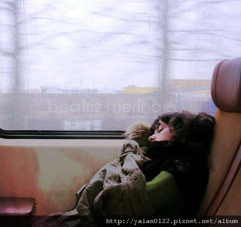 4.睡著的時候總有人為你蓋被.