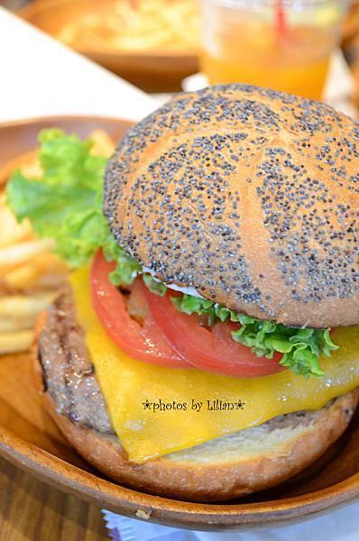 KUA`AINA起司漢堡