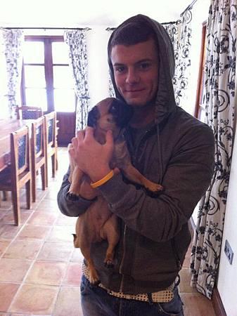 Jack-Wilshere-has-a-cute-pug.jpg