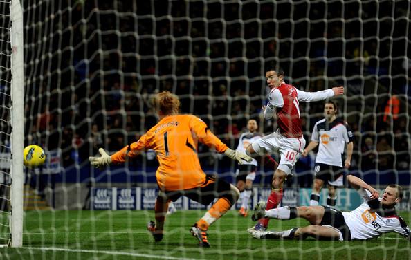 Bolton+Wanderers+v+Arsenal+Premier+League+hWghI18C0nKl.jpg