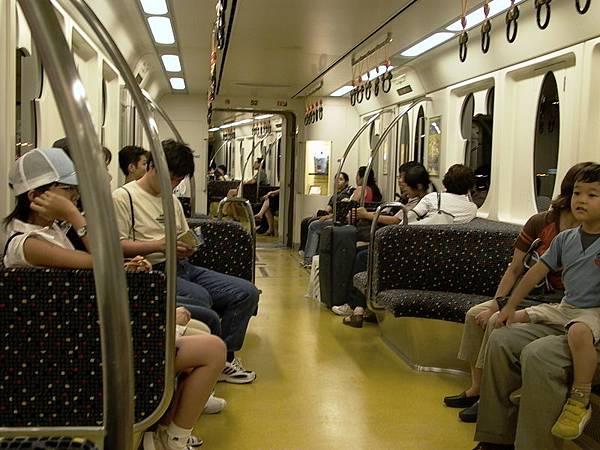 Disney單軌電車(內部一景,小龍攝)