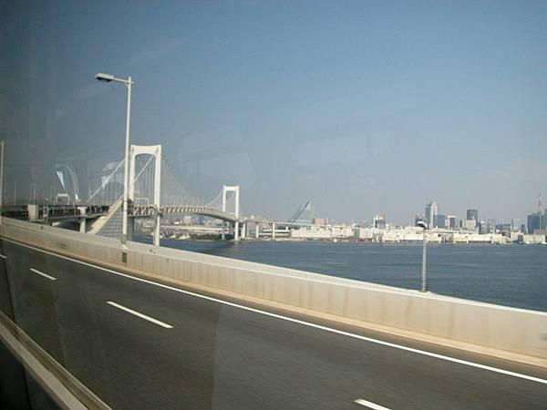 行經東京前往河口湖