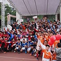 度過了快樂一整天的足球嘉年華,收穫滿滿的足球小將們,大家相約明年再見!.JPG
