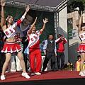 5.並由YAMAHA活力啦啦隊帶著小朋友進行熱身操。.JPG