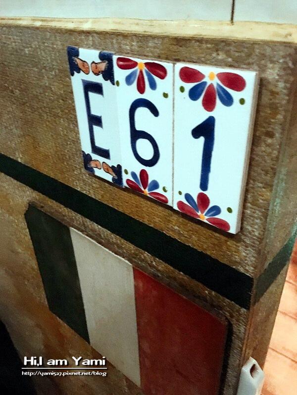 E61_9085.jpg
