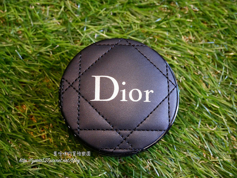 Dior Forever氣墊粉餅P1090363