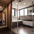 8浴室出來就是更衣室,方便生活上機能需求。