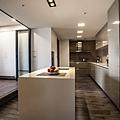 寬大的廚房,符合業主時常開伙的需求