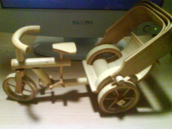ELMO的新車車