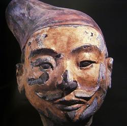 陶俑面部殘存的彩繪顏色