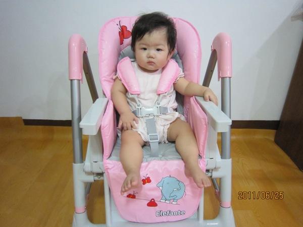 Smile 餐椅 20110625_3.JPG