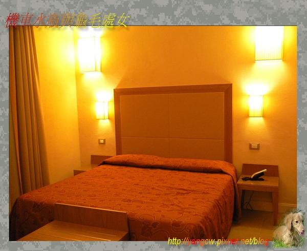 P1030611-佛羅倫斯飯店房間.jpg