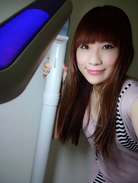 【生活雜記】保證一用就愛上的居家燈具 * 特力屋 東亞照明27W電子式護眼立燈