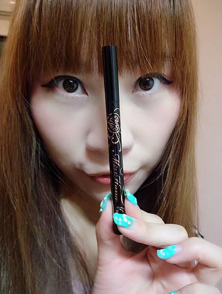 【妝容】超濃黑好化抗暈防水令人驚豔 * Miss Hana花娜小姐 持久超抗暈眼線液筆