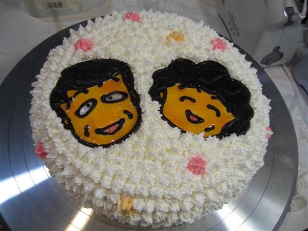 阿宏與小丸子的媽造型蛋糕