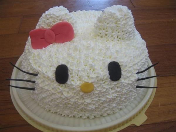 立體hello kitty造型蛋糕