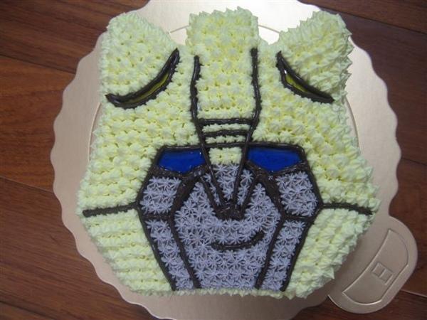 變形金剛大黃蜂造型蛋糕