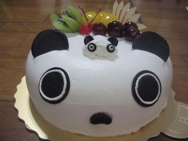 趴趴熊水果造型蛋糕