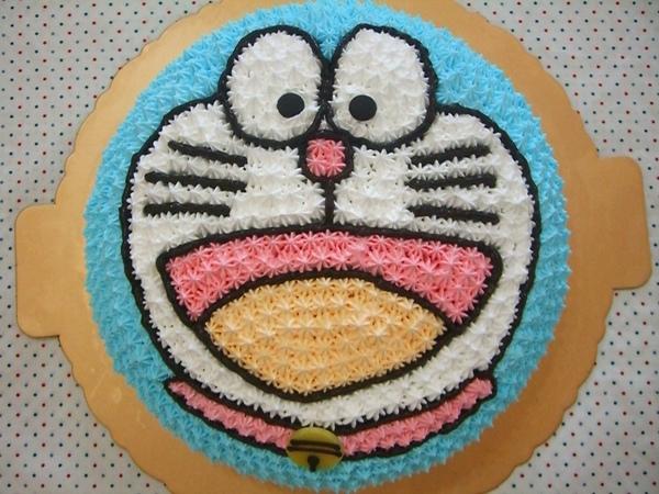 多啦A夢造型蛋糕2