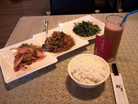北區 眉苗泰式料理 2