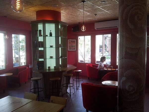北屯區 紅色咖啡館 8