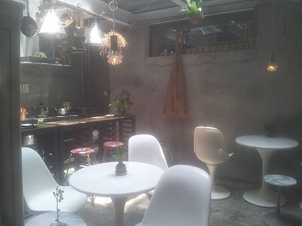 西區 火山花店 7