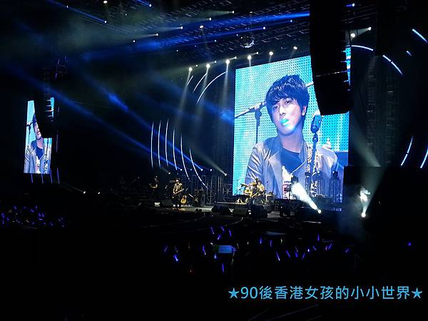 5.11 CNBLUE BLUEMOON in HK (10)
