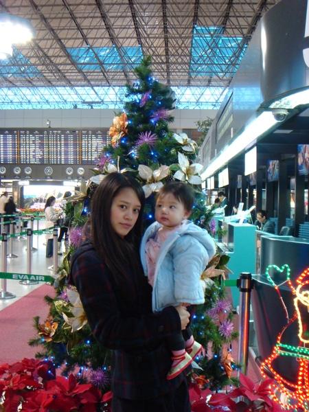 香港機場到了!好漂亮ㄋ