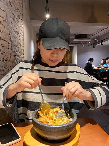 2020315 補過情人節 🌹🌷👩❤️👨 吃小臭愛的韓式料理 四米大石鍋拌飯_200320_0072.jpg