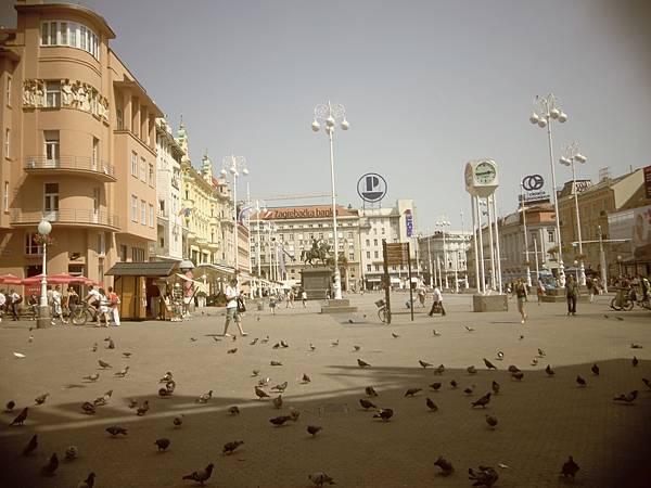 34-1葉拉齊卡廣場.JPG