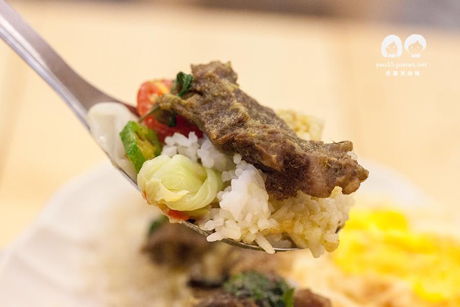 泰棧 平價泰式料理 牛肉綠咖哩 NT120
