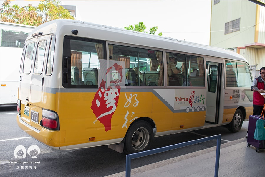 台灣好行 關子嶺烏山頭線 到新營公車站 就可以看到
