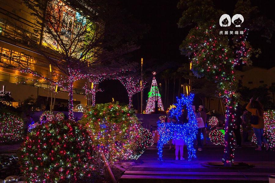 夢時代 愛・Sharing 星夢奇幻秘境 1F日式庭院 麋鹿聖誕車