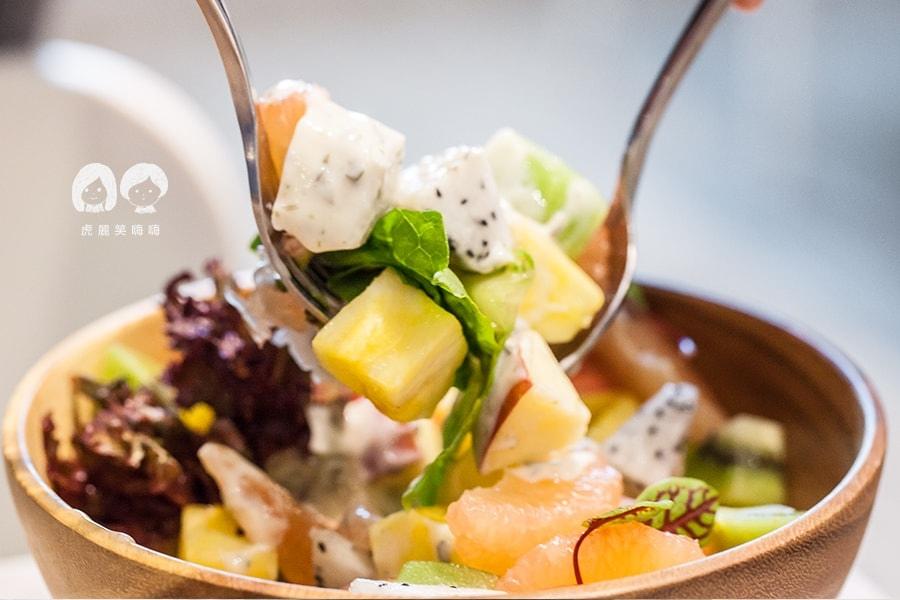 克洛普水素水餐廳 季節水果沙拉NT110