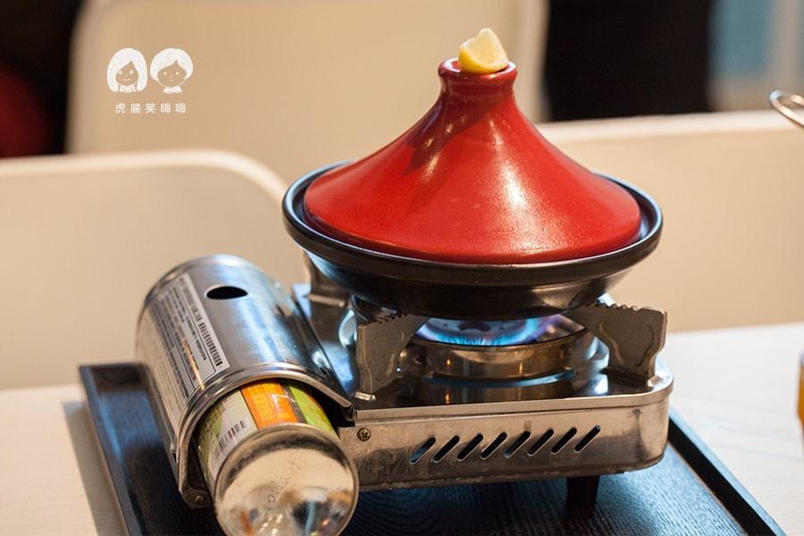 克洛普水素水餐廳 什錦海鮮塔吉鍋NT320 發芽米飯、每日例湯