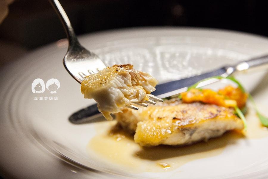 君鴻酒店38樓鐵板燒 時令海鮮 海鱸魚
