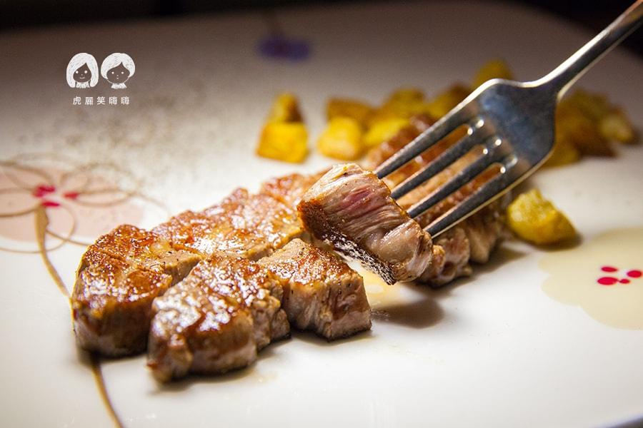 君鴻酒店38樓鐵板燒 冷藏美國頂級肋眼牛排 每日限量 NT1880