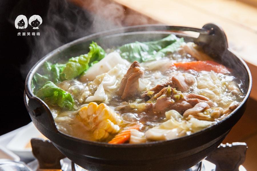 路竹 小牧人異國料理餐廳 陳香泡椒土雞鍋 NT350