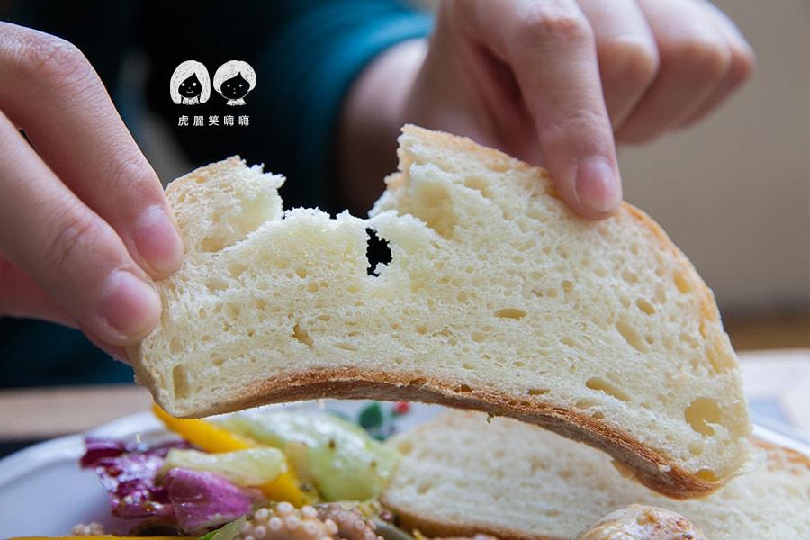 小聚 台南早午餐 中西區 鯷魚香蒜檸檬巴西里拌烤小章魚 NT250