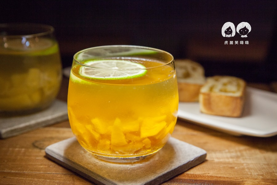 小啖組合  吐司+飲品NT100/鳳梨冰茶 單點NT45 台南 大菜市 正興街 凰商號 鳳梨湯 鳳梨冰茶