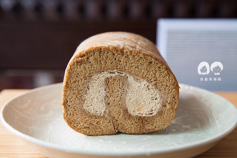 台南 蛋糕捲 蝴蝶餅 生巧克力 Roll Sweet 手作甜點 蛋糕捲 榛果咖啡1/2捲