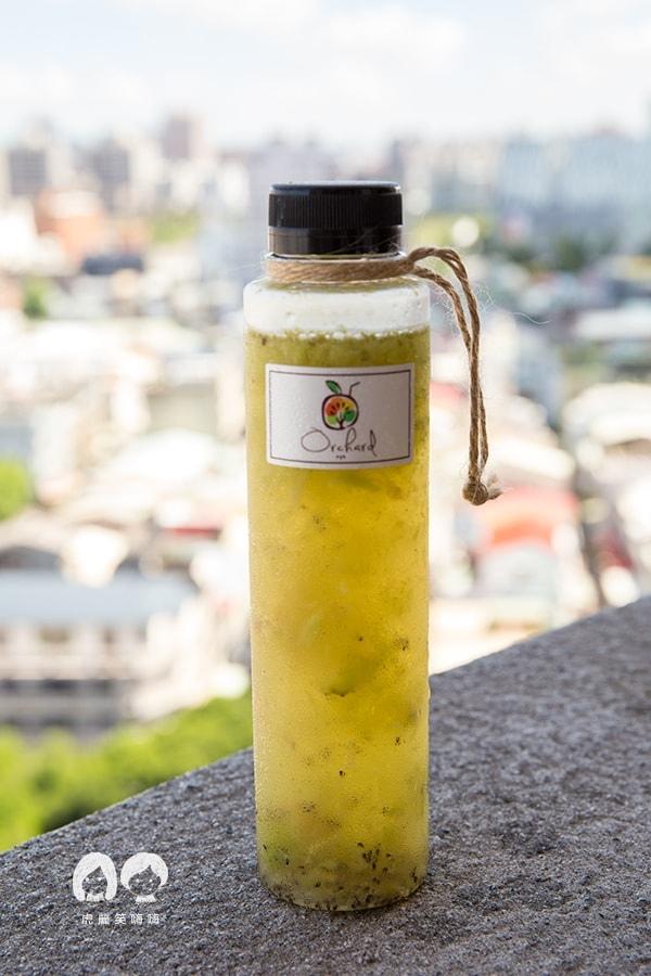 果樹園 Orchard 高雄 冷泡茶 新鮮果汁 外送 奇異果樹 NT55 一整顆的Zespri紐西蘭奇異果 + 當日現泡冷泡茶
