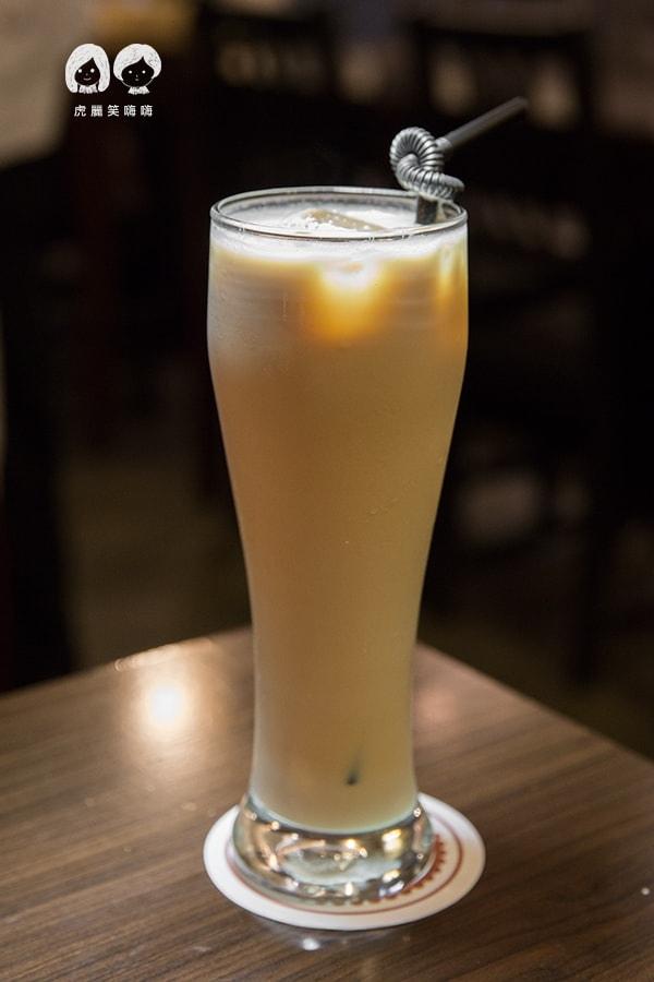 布雷克義麵坊 左營 博愛路 義大利麵  榛果奶茶 NTD80
