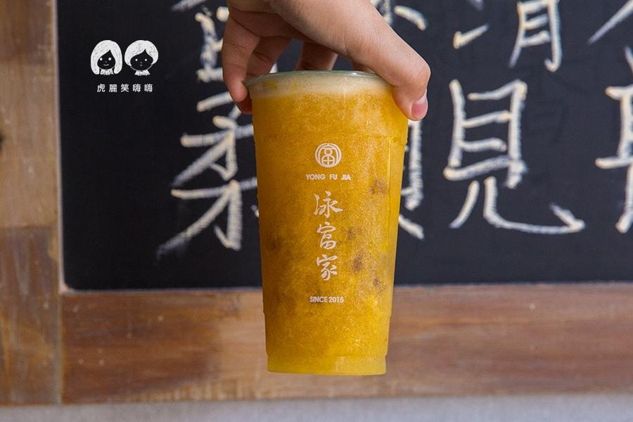 泳富家 高雄 新興區 六合路 飲料 茶飲 推薦 每月主打星 芒果青茶