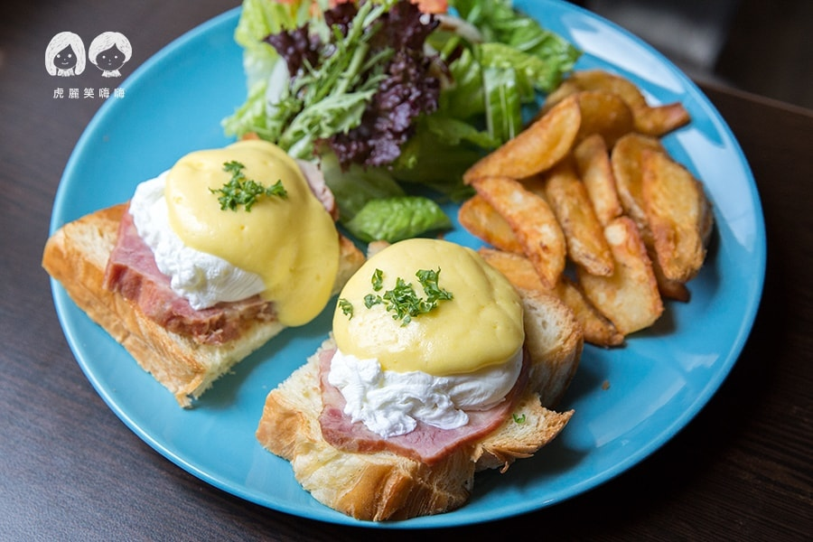 可里小餐館 高雄 新興區 早午餐 早午餐 附80元飲品(可補差額) 加拿大培根班尼迪克蛋 NTD240