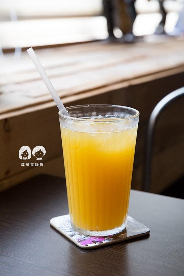可里小餐館 高雄 新興區 早午餐 附80元飲品(可補差額) 水蜜桃冰茶NTD75