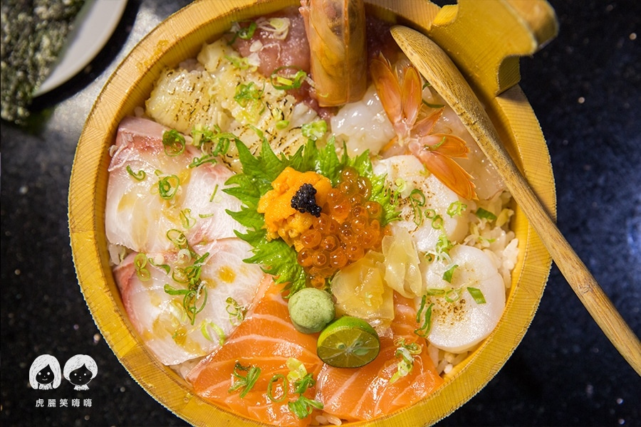 高雄 日本料理 福川町 蓋霸豪華海鮮丼 NTD380