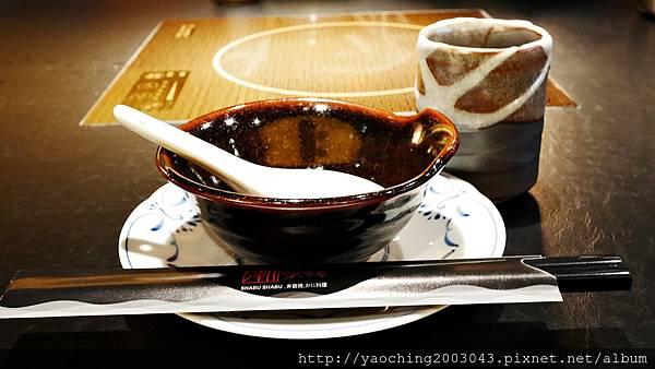 1424227520 1601044090 n - 【熱血採訪】台中西區潮鍋本家 頂級肉品搭美女鍋邊服務!